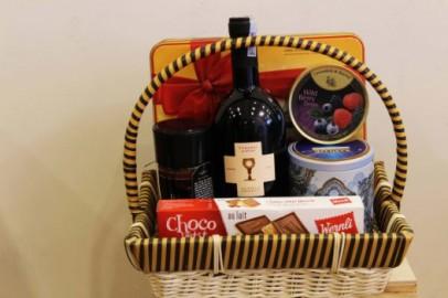 Mua rượu dừa làm quà tặng tết tại Long An
